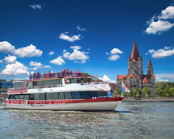 Båttur på Donau (F, L)