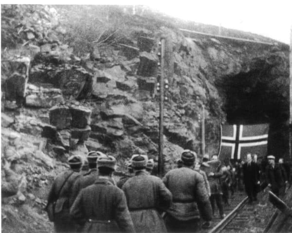 Befrielsen av Kirkenes, Høyde 96 og Svanvik (F, L, M)