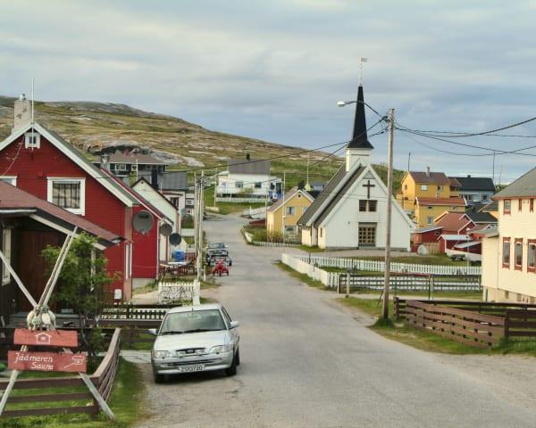 Utflukt til fiskeværet Bugøynes – «Krabbehovedstaden» (F, L, M)