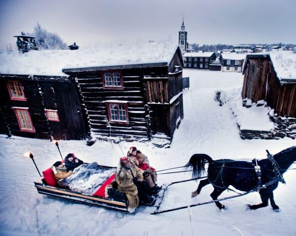 Kanefart og Bergstadens julebord (F, M)