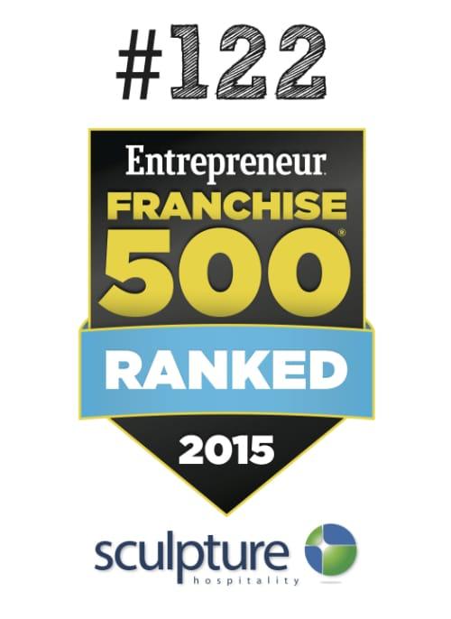 Badge del ranking de Franquicias 500 de Entrepreneur Magazine 2015 con Sculpture Hospitality en el puesto #122