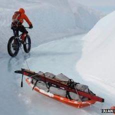 2014: Juan Menendez Granados cycles to the South Pole