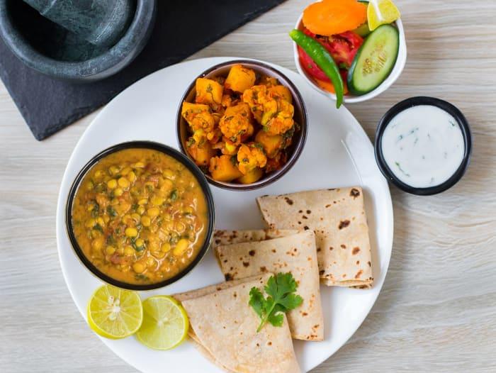 Aloo Gobi, Methi Dal Tadka & Rotis