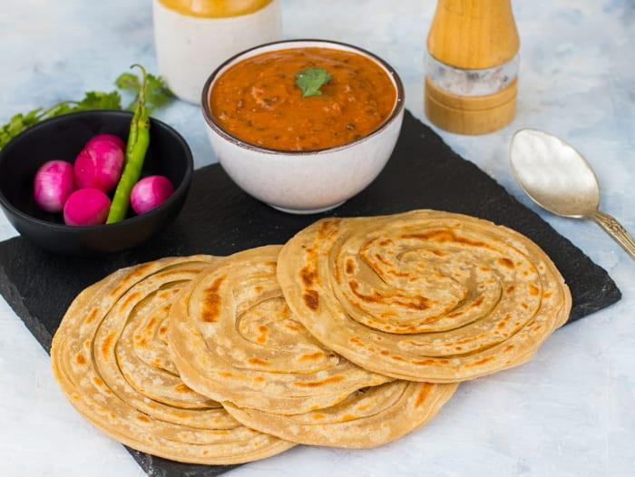 Dal Makhani & Lachha Paranthas Meal