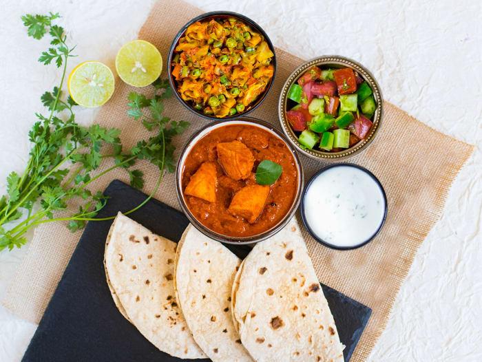 Chicken Chettinad, Patta Gobi Mattar & Rotis