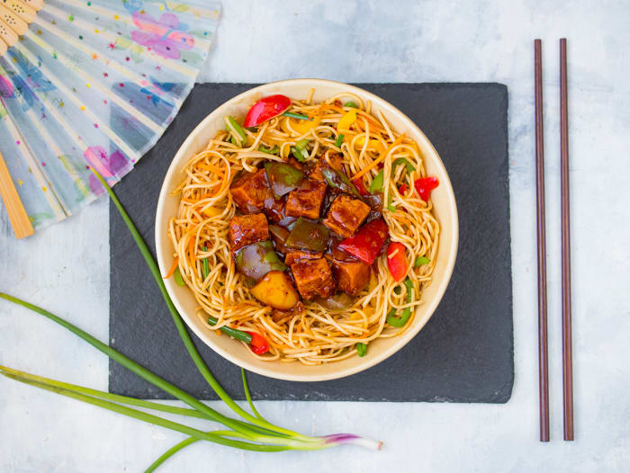 Chilli Tofu Hakka Noodles