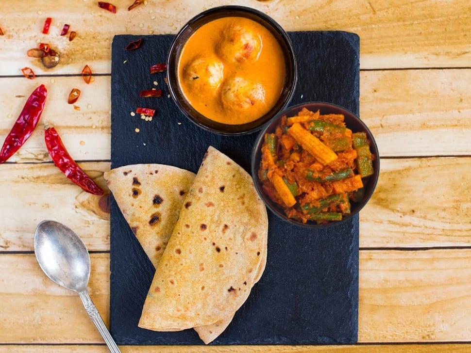 Light: 2 Rotis, Mixed Veg & Lauki Kofta Curry