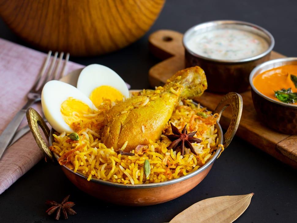 Lucknowi Chicken Biryani (with Egg)