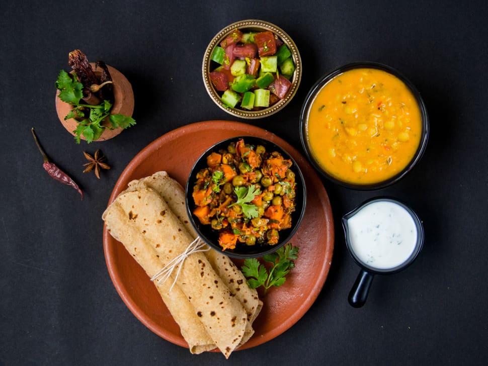 Gajar Mattar, Punjabi Dal Tadka & Rotis