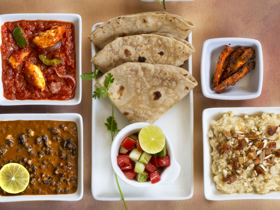 Fit Thali Chicken & Nutty Dates Pudding Combo