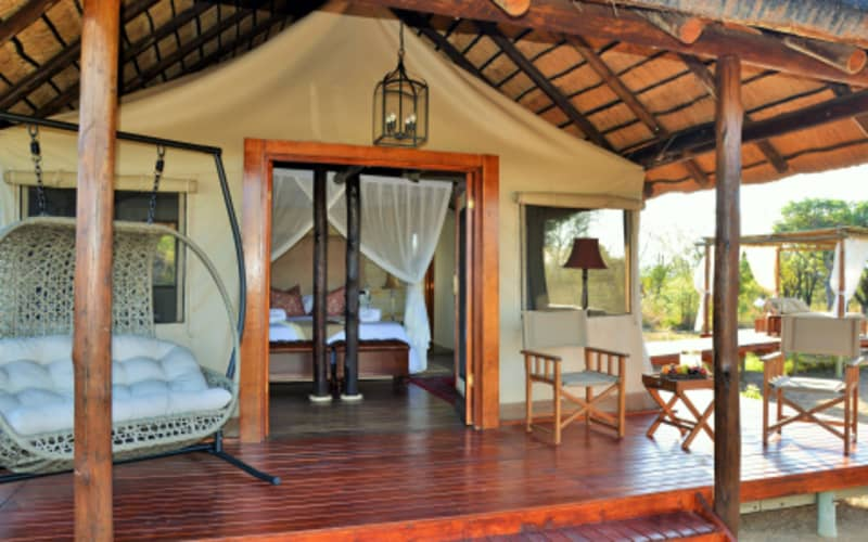 SAFARI PLAINS: ALL INCLUSIVE LUXURY - 1 Night for 2 people + Game Drives from R5 780!