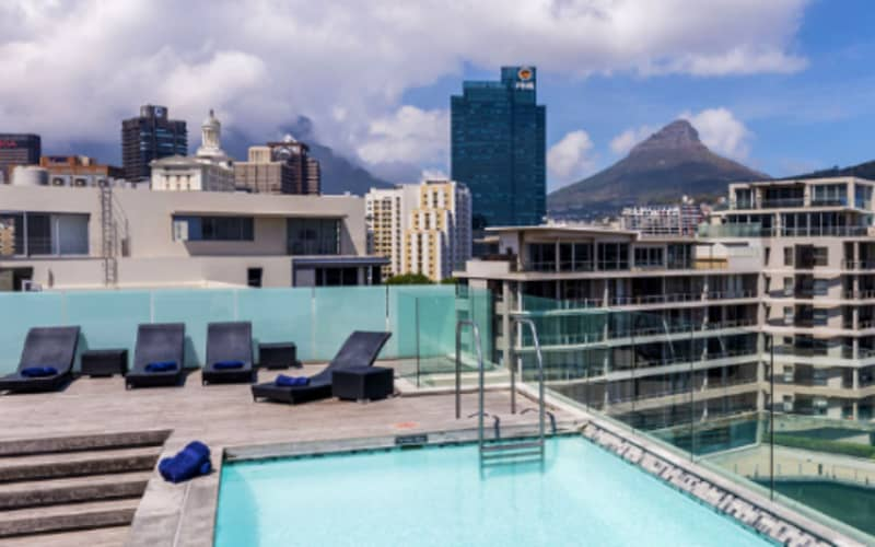 Harbour Bridge Hotel & Suites: Prime Location, 1 Night LUXURY Stay for 2 people + Breakfast for R1 199!