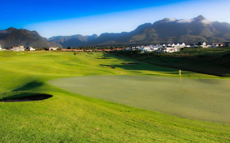 KINGSWOOD GOLF ESTATE: 2-Ball deal + Carts - Just R799!