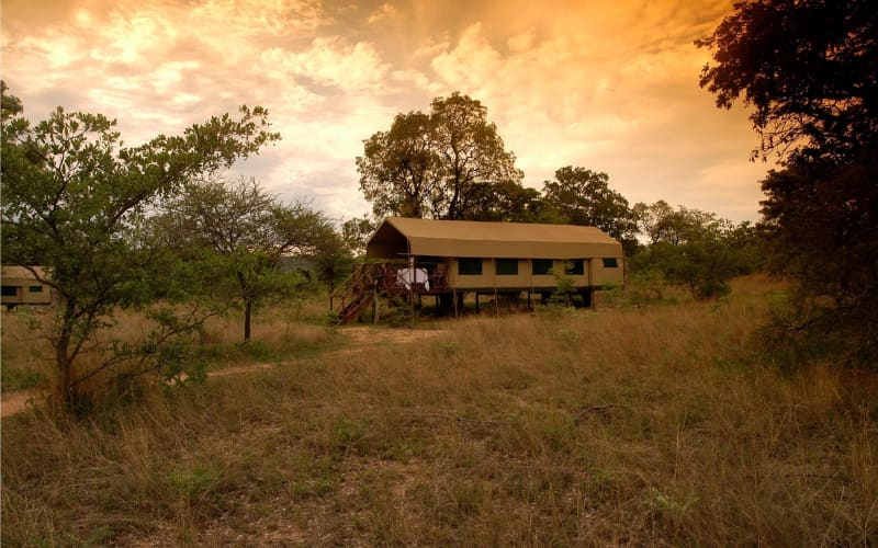 KWAFUBESI TENTED SAFARI CAMP: 1 Night Luxury Tent Stay for 2 + Meals & 2 Safaris from R2 699 pn!