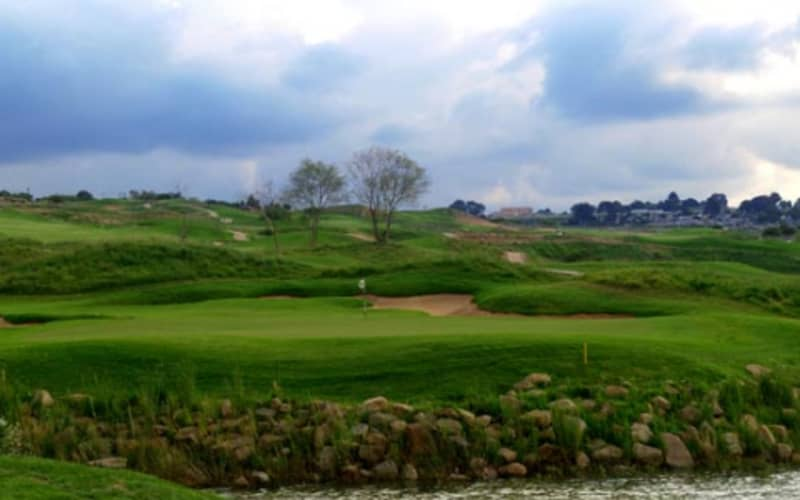 JACKAL CREEK GOLF ESTATE: 4-Ball deal + 2 Carts only R1 599!