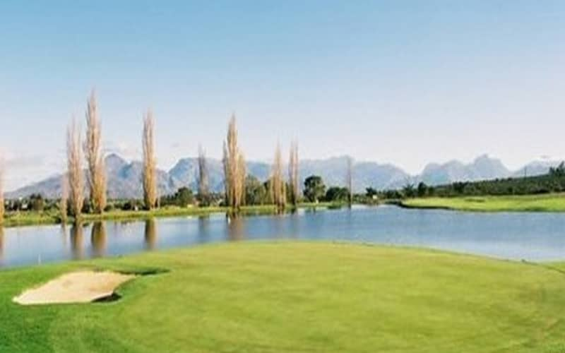 WORCESTER GOLF CLUB: 2 Ball deal for only R319!