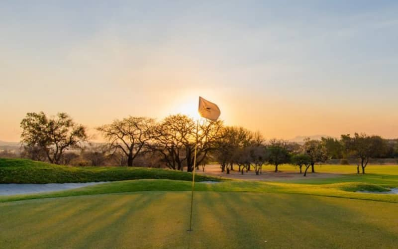 Seasons Golf Club: 4-Ball deal at the closest bushveld course to Johannesburg - only R539!