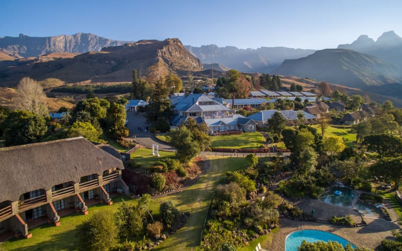Cathedral Peak-Golden Oldies Special- 3 Nights Stay for 2 + All Meals + Golf from R3 825 pp!
