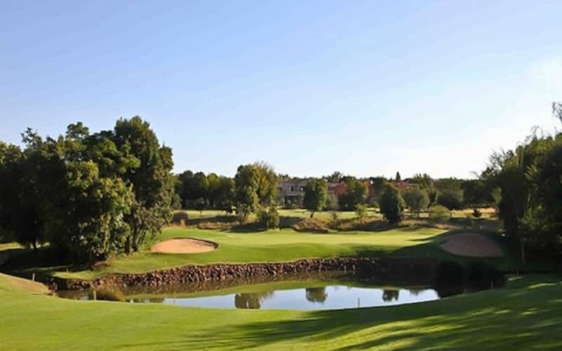 WOODHILL COUNTRY CLUB: 2-ball Deal + Shared Cart from just R879!
