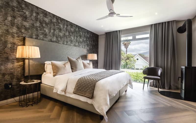 BLACK FRIDAY- FRANSCHHOEK BOUTIQUE HOTEL: 1 Night Stay for 2 + Breakfast for ONLY R1 119 pn!
