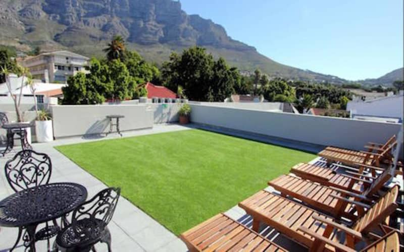 BLACK FRIDAY- The Three Boutique Hotel: 1 Nights Luxury Stay for 2 + Breakfast for ONLY  R949 pn!