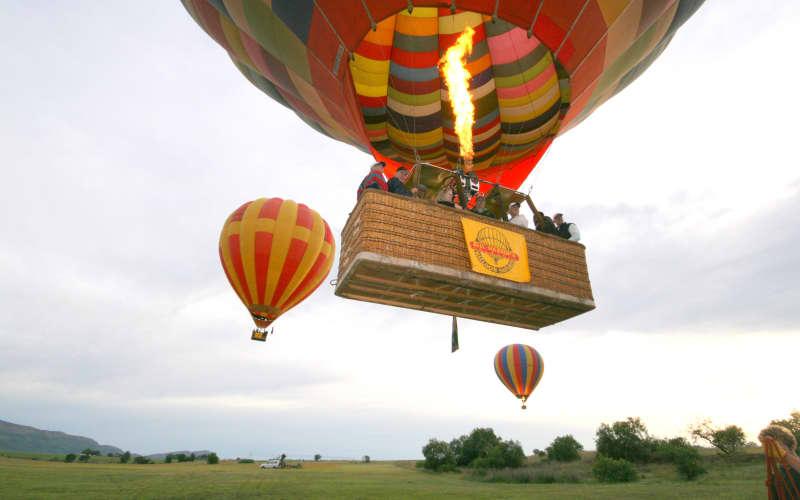 MONDAY MADNESS - Bill Harrops Balloon Safaris - Magalies River Valley Balloon Safari only R2 020 pp!
