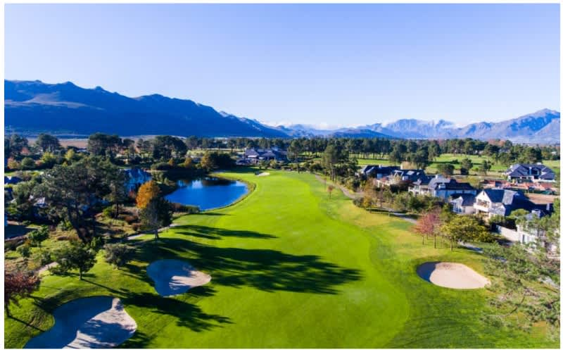 Pearl Valley Golf & Country Estate deal: 4 Ball + 2 Carts for only R2 799!