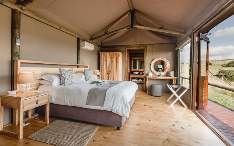 Hlosi Game Lodge- 1 Night stay for 2 in a Luxury Safari Tent for only R4 699 pn!