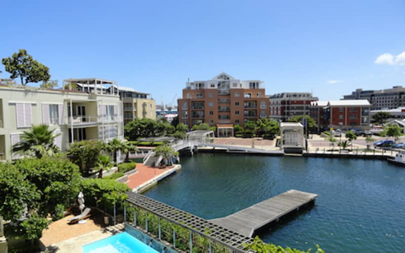 THE WATERFRONT VILLAGE, Cape Town - 3 Nights for 2 persons in a Luxury One Bedroom Apartment for only R1 249 per night!