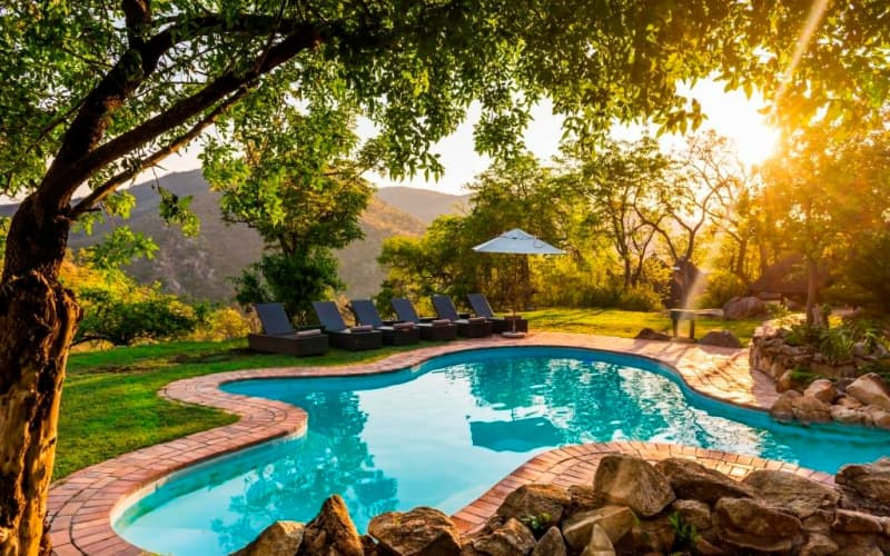 VALENTINES SPECIAL- Bongani Mountain Lodge: 1 Night Stay for 2 + Meals & 2 Game Drives!