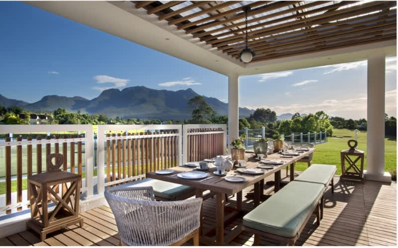 FANCOURT: Relaxing Holiday Special - 2 Night Stay for 2 people + 4 Spa Vouchers & Breakfasts!