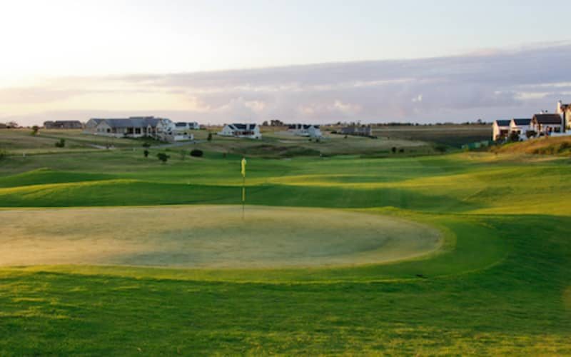 Kingswood Golf Estate : 2 Ball Deal + Carts from R799!