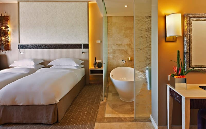 ADD-ON:1 Night Stay for 2 + Breakfast at Oubaai Hotel Golf & Spa