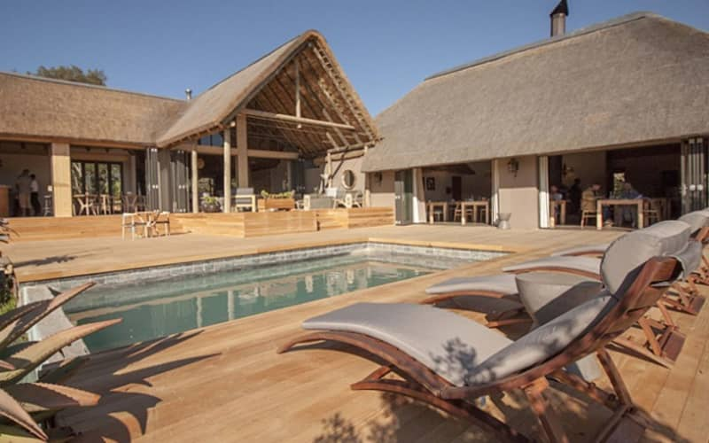 Amakahla BUKELA Game Lodge - 1 Night Luxury Stay for 2 + All Meals + 2 Game Drives - R5 499 pn!