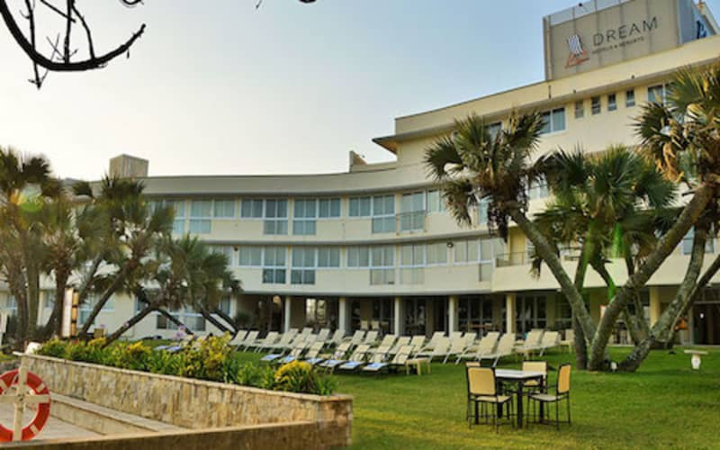 Blue Marlin Hotel, KZN: 1 Night Stay for 2 people & Dinner + Breakfast for R1 999!