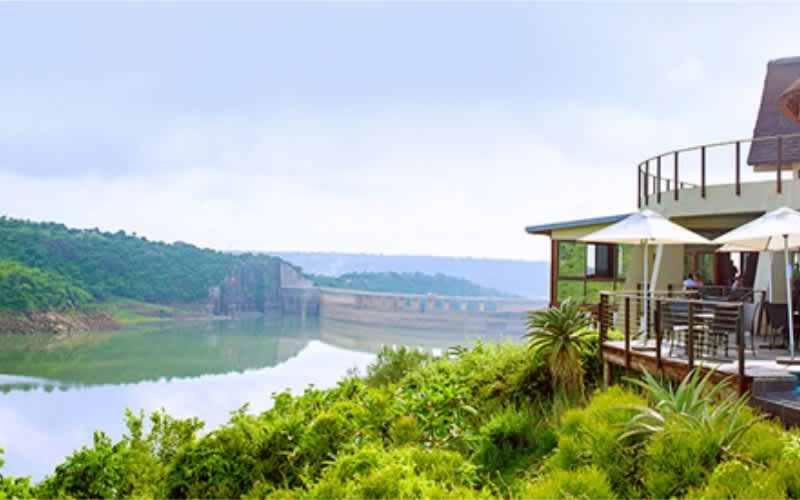 KZN, Jozini Tiger Lodge: 1 Night Stay for up to 4 people + Breakfast from R 1 848!