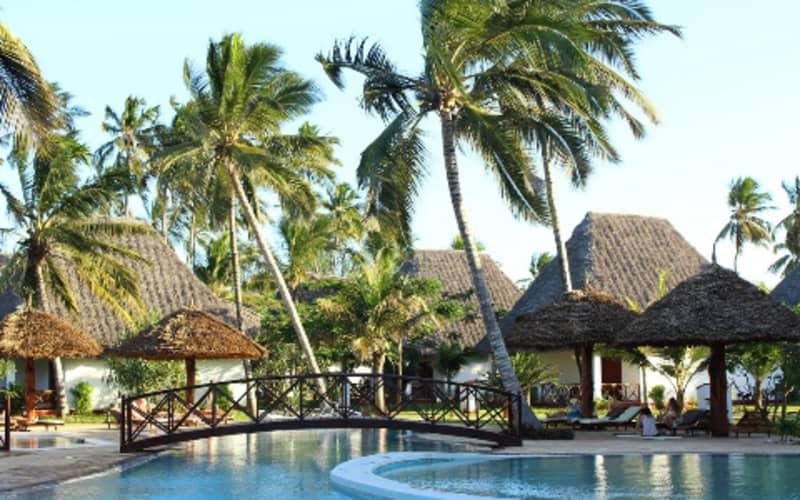 ZANZIBAR: 7 Night 4* Stay at UROA BAY BEACH RESORT + Breakfast + FLIGHTS from R13 490pps!