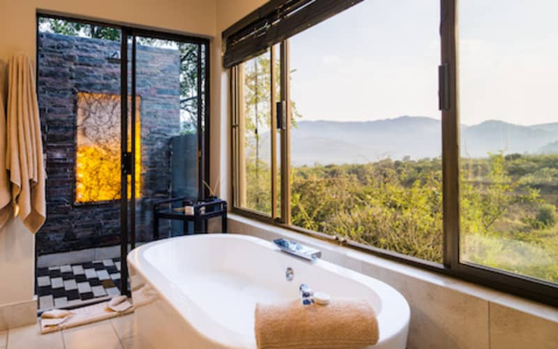 Shepherd's Tree Game Lodge: 1 Night MIDWEEK Luxury Stay for 2 People + Meals & 2 Game Drives!