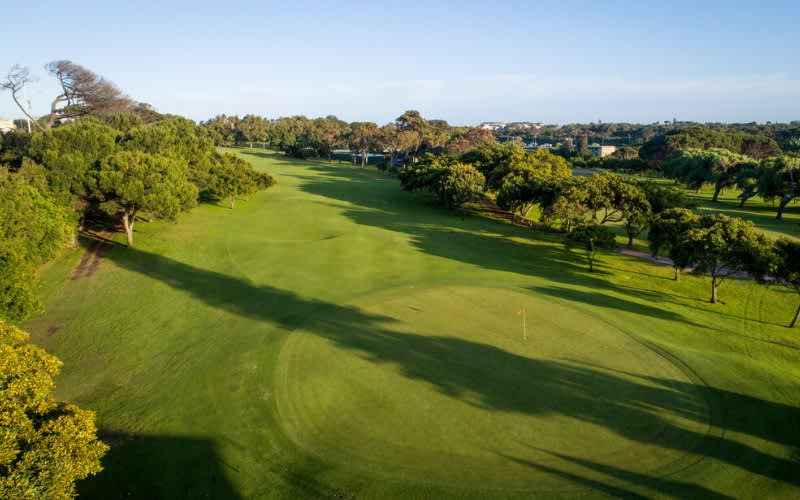 RONDEBOSCH GOLF CLUB: 2 Ball Deal for just R459!