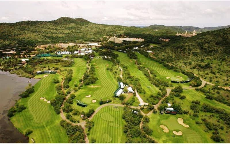 GARY PLAYER COUNTRY CLUB: 2-Ball Deal for just R1 799!