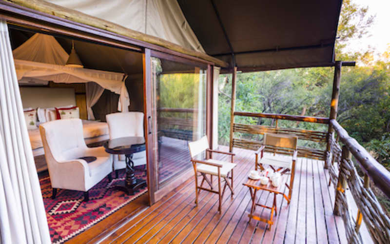 FLOOK SPECIAL - Thakadu River Camp: Tented Suite Stay for 2 + Meals + 2 Game Drives daily!