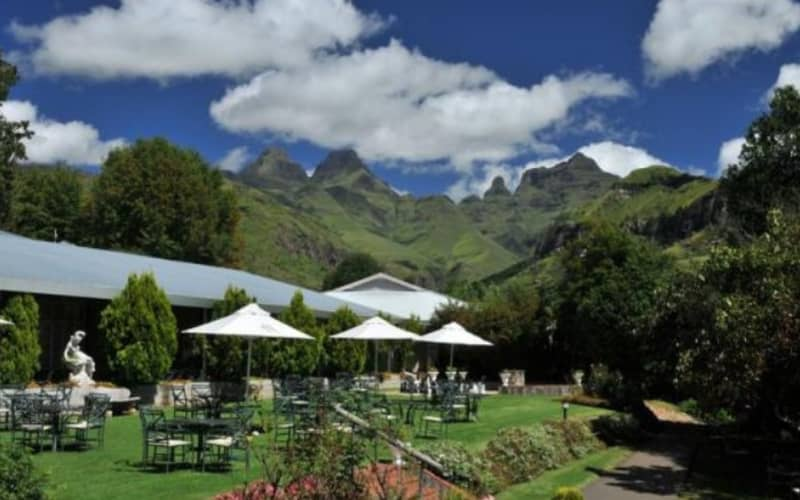 FLOOK SPECIAL: Cathedral Peak - 2 Nights Stay for 2 people + All Meals from R1 355 pp per night!