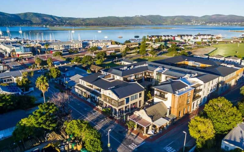 The Rex Hotel, Knysna: 1 Night Stay for 2 + Breakfast for only R1 199 pn! RE-OPENING 1 JULY 21!