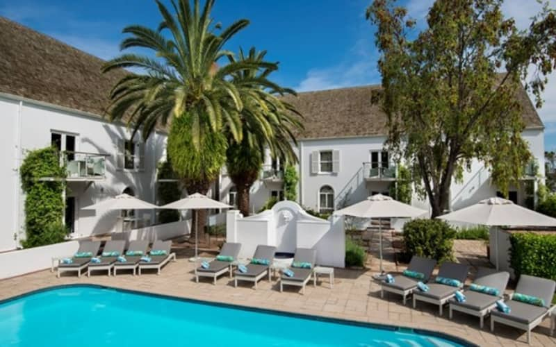 FANCOURT MANOR HOUSE: Stay 4 Nights, Pay for 3! including Breakfast & Extras!