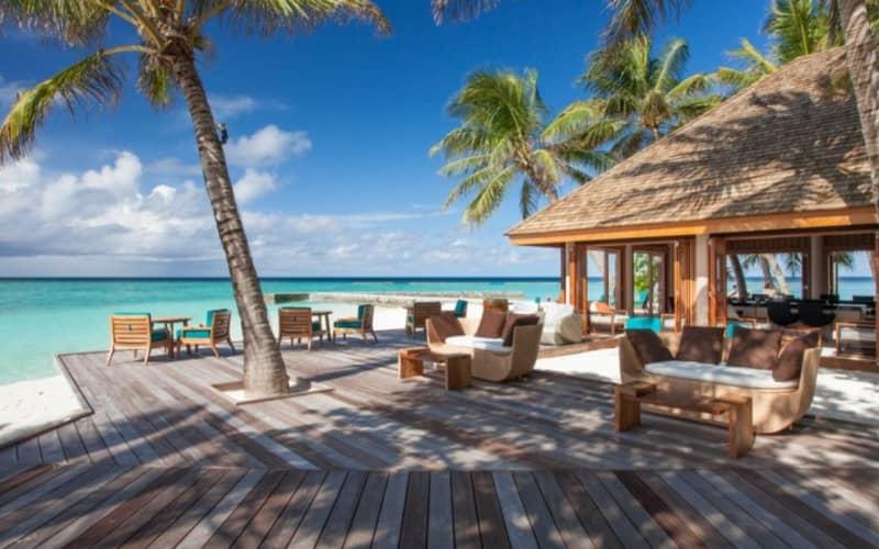 Maldives, VELIGANDU ISLAND RESORT & SPA: 7 Night 4* Stay + Flights & Meals from R35 699 pps!