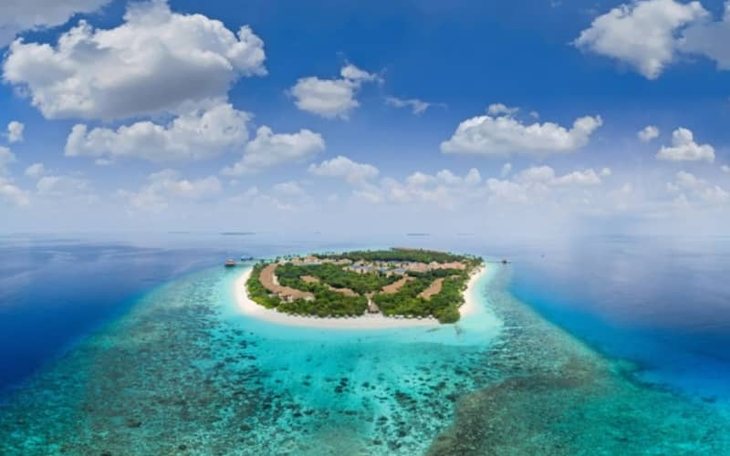 Maldives, REETHI FARU : 7 Night 4* Stay + Flights & Meals + Transfers from R29 799 pps!