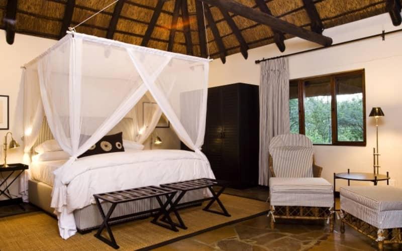 NAMIBIA: Mushara Lodge- 1 Night Luxury Stay for 2 & Breakfast + Dinner!
