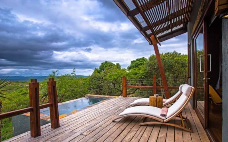 KZN, Rhino Ridge Safari Lodge: 1 Night LUXURY Stay for 2 people + ALL Meals & Game Drives!