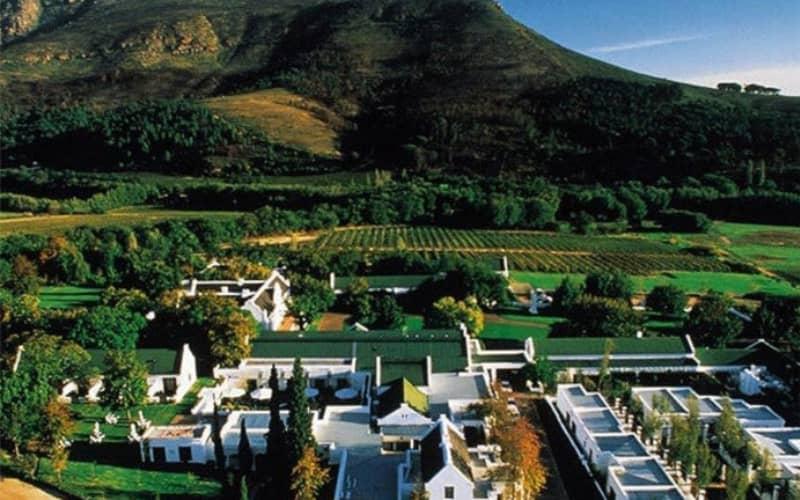 STELLENBOSCH WINELANDS Helicopter Tour for 4 people to the Stellenbosch Winelands Area!