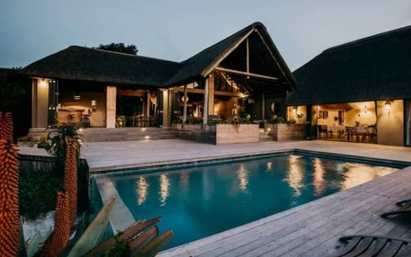 Amakahla BUKELA Game Lodge 5* - 1 Night Luxury Stay for 2 + All Meals + 2 Game Drives - R6 599 pn!